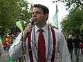 Fremont Solstice Parade 2007 emcee 01.jpg