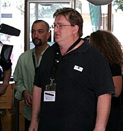 Gabe Newell (foreground) and Doug Lombardi (background), 2007