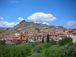 View of Gargallo in Andorra-Sierra de Arcos comarca, located atop of one of the Sierra de San Just ridges