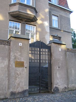 Georg Henrik von Wright - Von Wright's home on Laivurinkatu street, Helsinki: a commemorative plaque marking his long-term residence in the house was fixed to the outer wall in 2006.