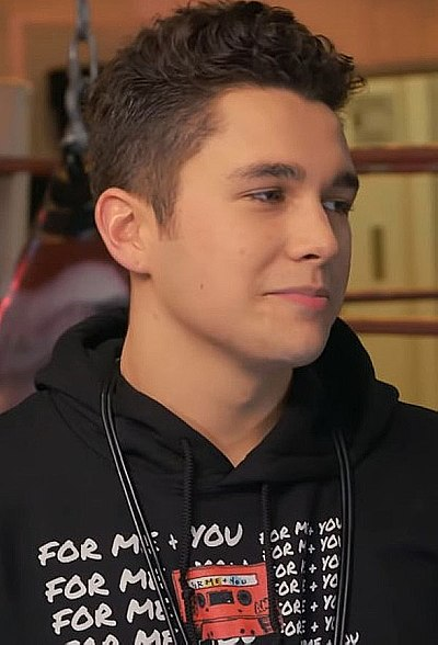 Picture of a band or musician: Austin Mahone