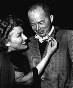 Black-an-white photograph o Gloria Swanson an Billy Wilder while filmin Sunset Boulevard.