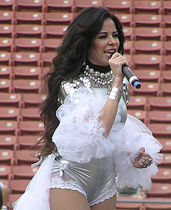 Gloria Trevi2 adjusted.jpg