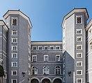Gmuend Hauptplatz 1 Schloss Lodron Ost-Ansicht 06042017 7315.jpg