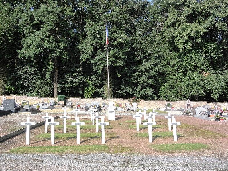 Gricourt (Aisne) cimetière, carré militaire