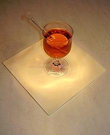 В России в XIX веке такой напиток называли пуншем.  Просмотров: 53.
