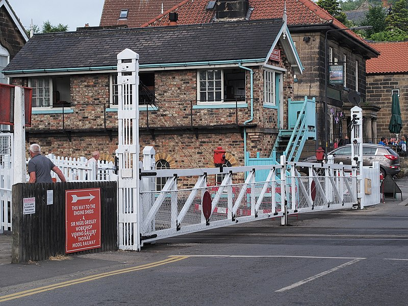 File:Grosmont-level-crossing.jpg