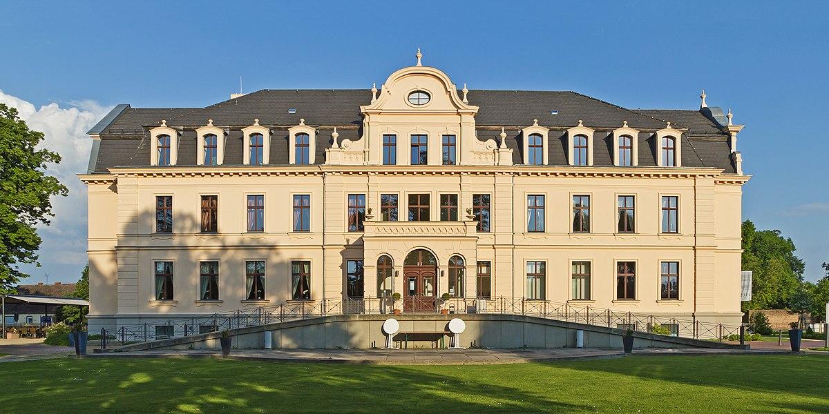 HVL 05-14 img 15 Ribbeck Schloss.jpg