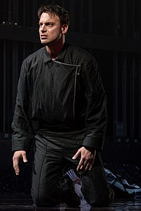 Hamlet 11914-Peralta.jpg