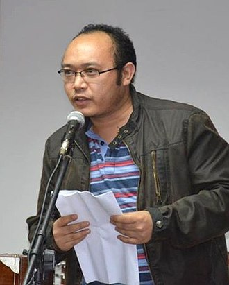 Hangyug Agyat - Poet Hangyug Agyat Reciting his poem