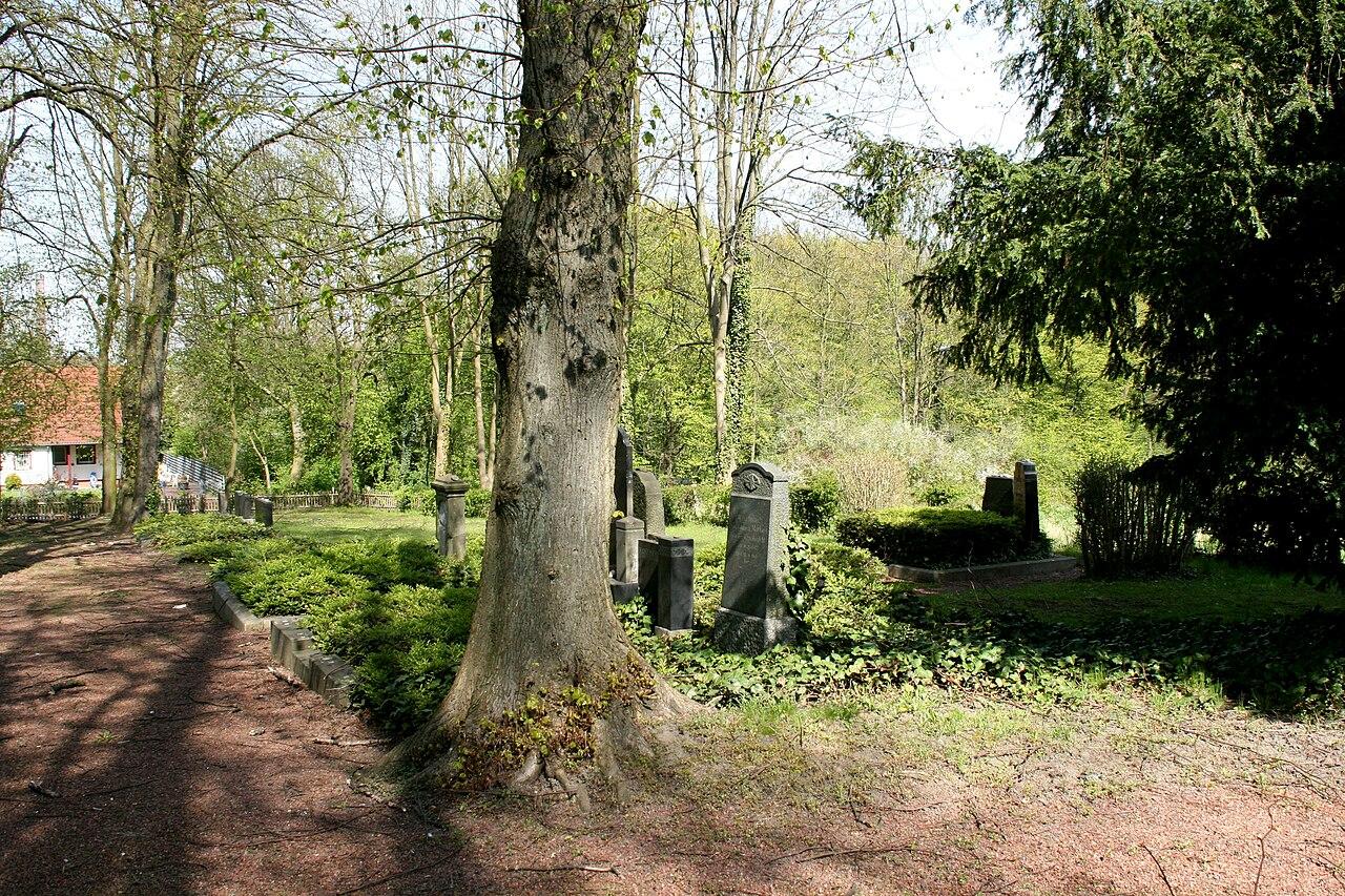 Hattingen - Jüdischer Friedhof 03 ies.jpg