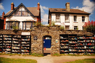 Book trade in the United Kingdom - Image: Hay on Wye Bookshop 2