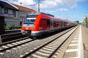 S1 (Rhine-Main S-Bahn) - S1 in Hochheim, bound for Wiesbaden
