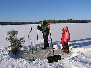 Hole-into-lake-ice saw-down oirg FI-EU 2007-Feb-21 by-RAM.JPG