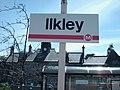 Ilkley platform sign 2006.jpg