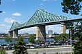 Jacques Cartier Bridge west, Montreal.jpg