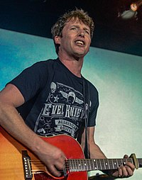 James Blunt James Blunt Tom Brasil (25624592027).jpg