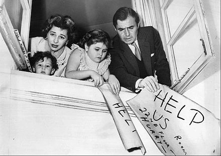 Mason and his family in 1957 in the television programme Panic! From left, son Morgan, Mason's wife Pamela, daughter Portland and Mason James Mason and Family 1957.JPG