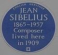 Jean Sibelius 15 Gloucester Walk blue plaque.jpg