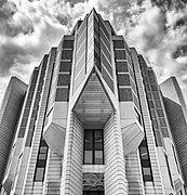 John P. Robarts Research Library.jpg