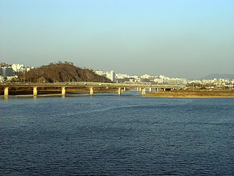 Han River (Korea) - Jungnancheon meets Han, seen from Dongho Bridge