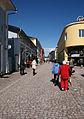 Kävelykatu vanhassa Porvoossa.jpg