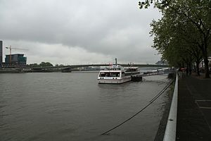 Köln - Am Leystapel - Rheingarten - Rhein 01 ies.jpg