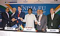 "Kamal Nath with the delegates at the Inaugural Session of 8th India-EU Business Summit ""Technology and Innovation for Sustainable Development"" in New Delhi on November 29, 2007.jpg"