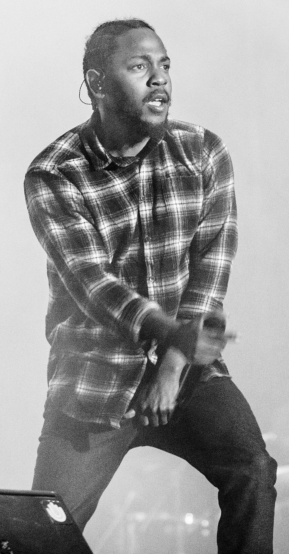 Kendrick Lamar 3 F.I.B. 2016 (cropped)