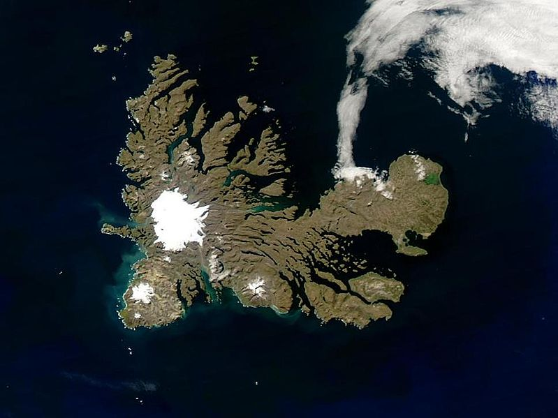 Fichier:Kerguelen islands (closer).jpg