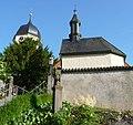 Kirche und Kapelle - panoramio.jpg