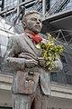 Klaas heufer-umlauf statue berlin 2.jpg