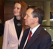Former 2008 Democratic presidential candidate Dennis Kucinich and his wife Elizabeth. Kucinich is known for his veganism and support of animal welfare.