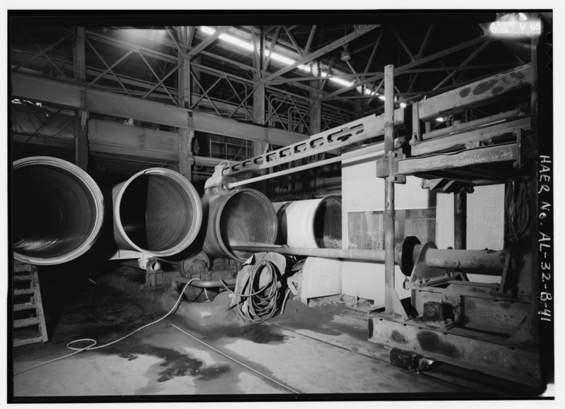 File:LARGE DIAMETER - GRINDING. - United States Pipe and Foundry Company Plant, Pipe Casting and Testing Area, 2023 St. Louis Avenue at I-20-59, Bessemer, Jefferson County, AL HAER ALA,37-BES,6B-41.tif
