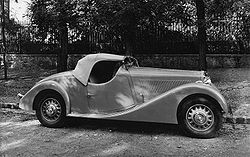 https://upload.wikimedia.org/wikipedia/commons/thumb/7/76/Lancia_Belna_Roadster_Pourtout.jpg/250px-Lancia_Belna_Roadster_Pourtout.jpg
