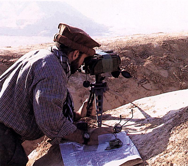 المراقب الجوي المتقدم Forward Air Controller او مايعرف اختصارا ب FAC  800px-Laser_designator-_SOF_in_Afghanistan