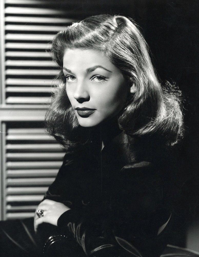 Lauren Bacall 1945 press photo