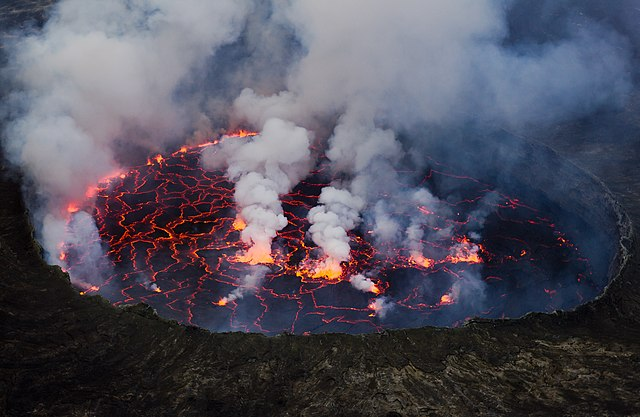 lava lake nyiragongo