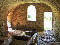 Lavoir de Blacy, interieur, Yonne.JPG