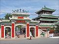 """Lentrée du temple de la Déesse """"Ba Chua Xu"""" (Vinh Te, Vietnam) (6602141667).jpg"""