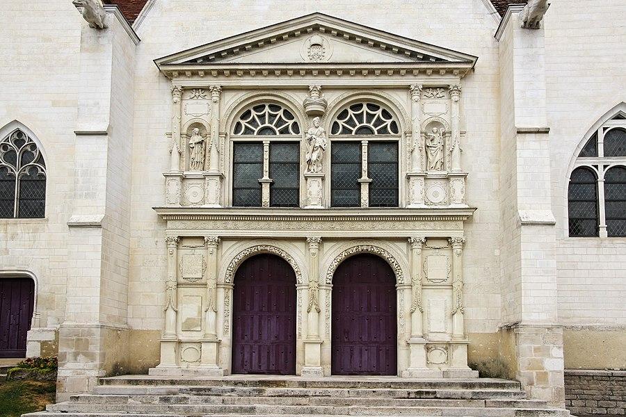 Les portes ornées de sculpture de l'église de Saint André Les Vergers (10)