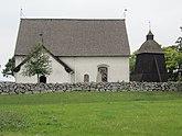 Fil:Lillkyrka kyrka ext01.jpg