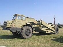 Moaz  veicoli 220px-MOAZ-6014_Scraper_in_Technical_museum_Togliatti