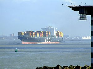MSC Chicago p0, leaving Port of Rotterdam, Holland 08-Mar-2007.jpg
