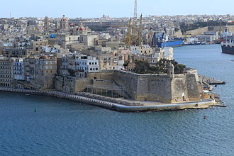 Fortifications of Malta - Seaward fortifications of Senglea