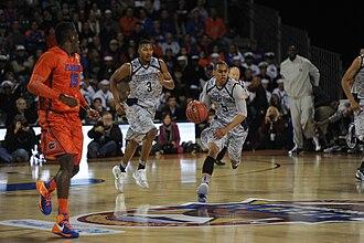 2012–13 Florida Gators men's basketball team - Image: Markel Starks during Navy Marine Corps Classic 2012