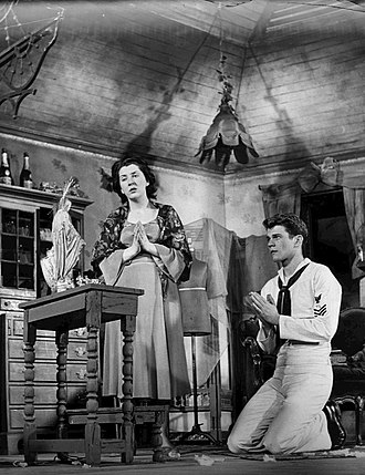 Maureen Stapleton - With Don Murray in The Rose Tattoo (1951).