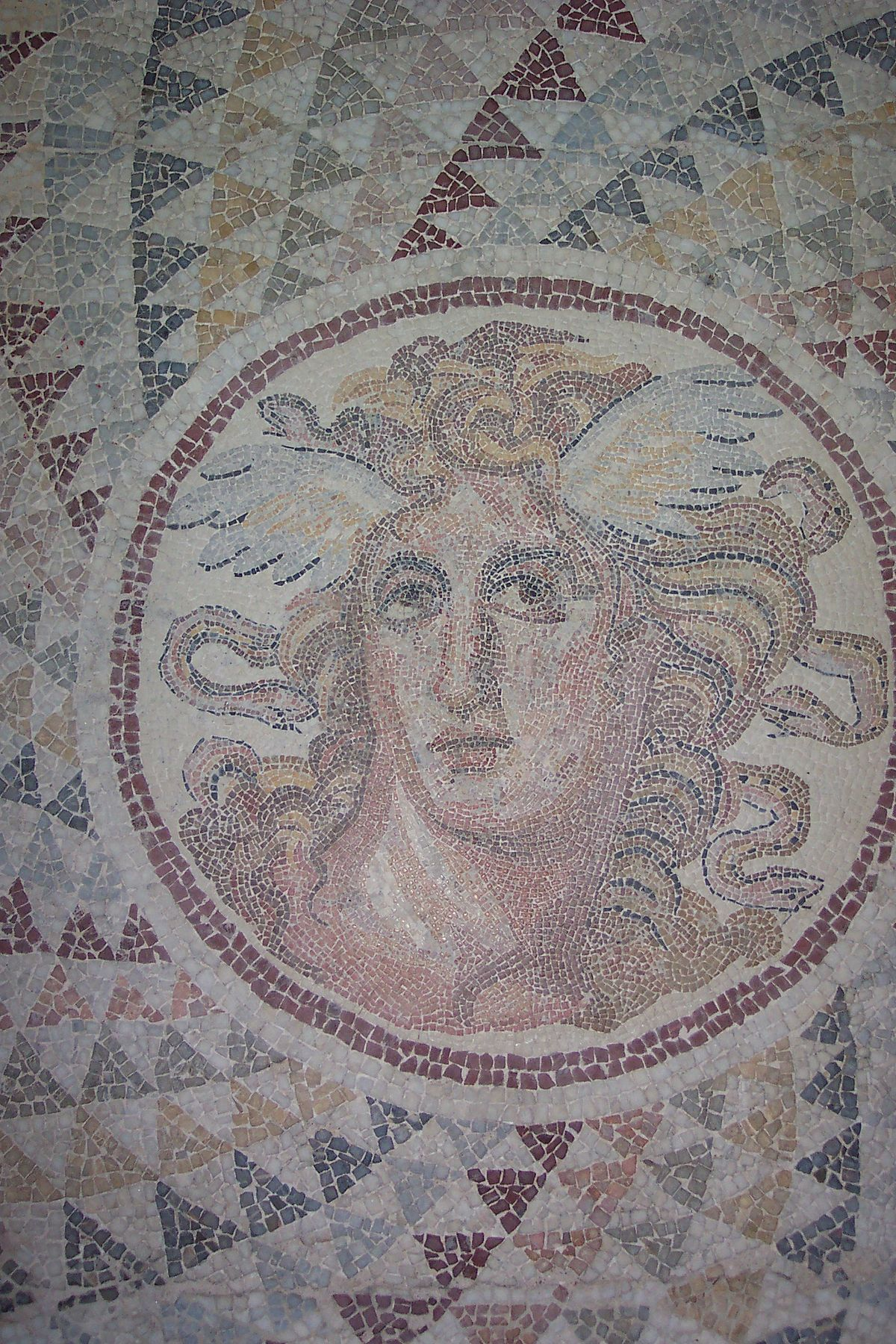 Cultural depictions of Medusa and Gorgons - Wikipedia | 1200 x 1800 jpeg 562kB