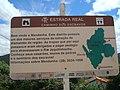 Mendanha, Diamantina MG Brasil - Placa indicativa do Caminho dos escravos, que ligava as lavras de diamante à Diamantina - panoramio.jpg