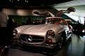 Mercedes-Benz 300SL 1955 Flügeltüren Gullwing Coupè LNose MBMuse 9June2013 (14960576246).jpg